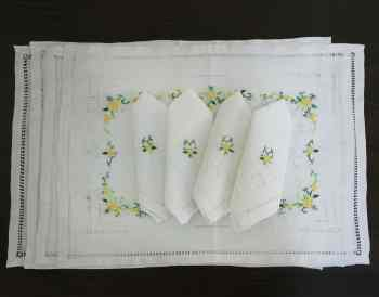 Flower Embroidery Placemat And Napkin Set
